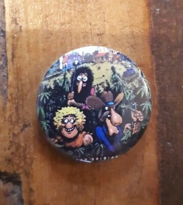The Fabulous Furry Freak Brothers GREEN GRASS weed gilbert shelton A Badge 25mm