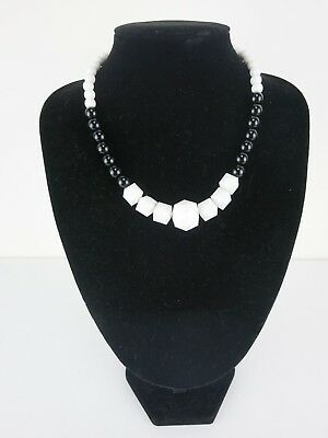 Deco Necklace 20s 30s 50s Rockabilly PinUp Beads Triangle Square Black White