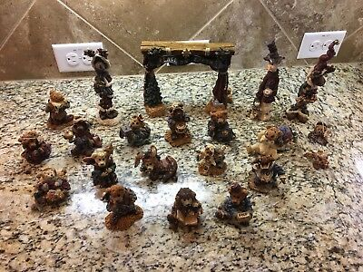 Boyds Bears And Friends 21 Piece Folkstone 1997 Collection Nativity Set