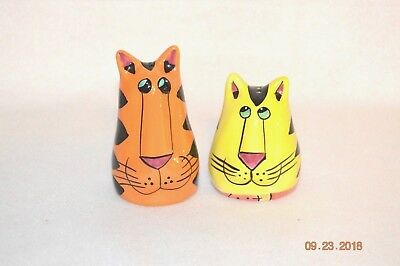 CatZilla Salt and Pepper Shakers Candace Reiter Designs 2000 Orange and Yellow
