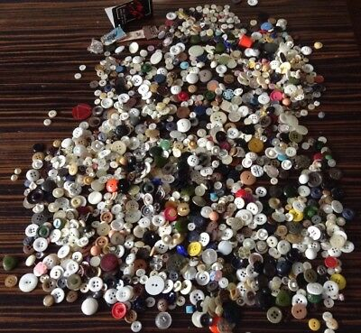 Vintage buttons - Includes Mother of Pearl  Large Bundle - Job lot Retro Buttons