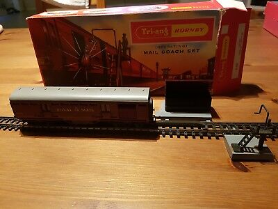 Triang Hornby OO Royal Mail R402 Coach set