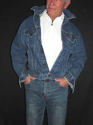Levis Vintage Medium Blue Denim Trucker Jacket Red Tab Men's 44L   J34