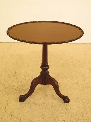 F45250EC: Antique Carved Mahogany Chippendale Tilt Top Tea Table