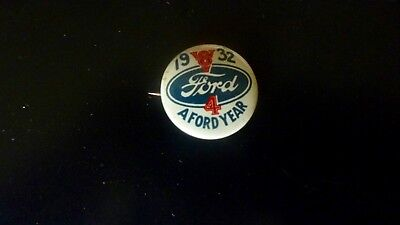 Vintage 1932 Ford V8 Advertising Pin Back Button