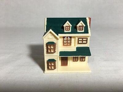 """Calico critters/sylvanian families Tiny Miniature Doll House Only 2 1/2"""" Tall"""