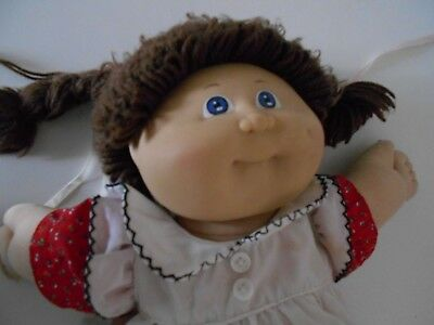 Collectable Vintage Cabbage Patch Doll 1982