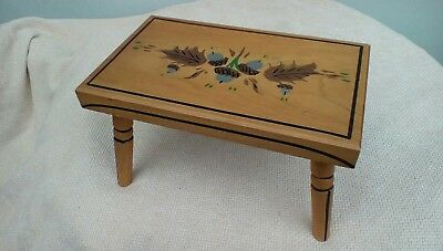 Lovely Vintage ~ Ebersol Maple Footstool ~ Milking Stool ~ 1976 USA Home Decor