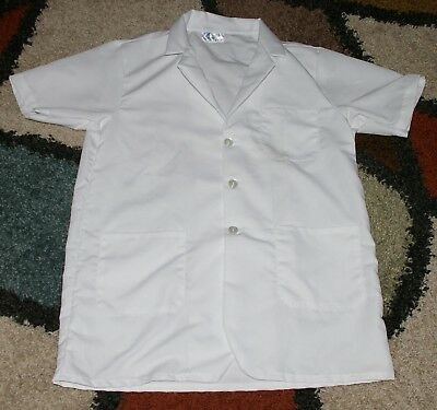 """Best Medical Woman S/S Short Lab Coat 3 pocket White 31"""" Length Size Small"""
