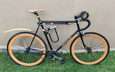 Fixed gear Raleigh bicycle with flip hub (fixie or free-wheel)