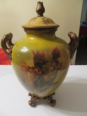 Decorative Porcelain Urn with lid