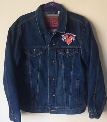 NEW YORK KNICKS Levi's Jean Jacket Size M Trucker Type 3 Jacket NBA