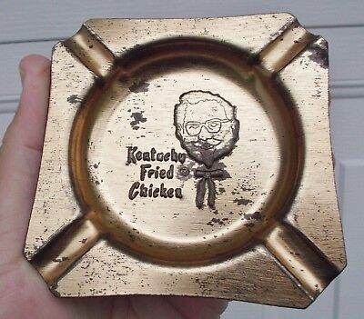 Vintage KENTUCKY FRIED CHICKEN *ASHTRAY* COLONEL SANDERS KFC-Finger Lickin' Good