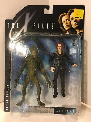 AGENT SCULLY- The X-Files- Fight the Future Series 1- McFarlane Toys 1998- NEW