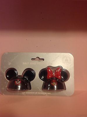 Disney Parks Mickey and Minnie Mouse Ceramic Salt and Pepper Shaker Set New