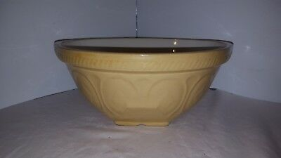 Large Vintage Tg Green Gripstand Ceramic Mixing Bowl 13 Inch
