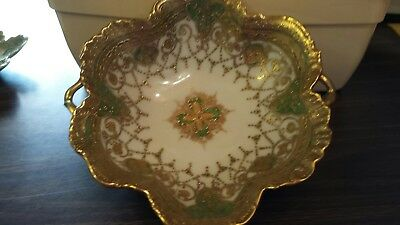 Nippon maple leaf markhand painted 8.25 in. green/gold bowlwith heavy gilding