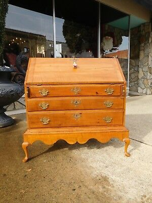 New England Queen Anne Tiger Maple Slant Front Desk on Stand 18thc