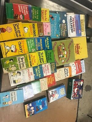 Lot of 39 Peanuts books/ Movies/ Games (Charles Schulz/ Snoopy)