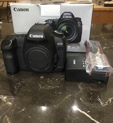 Canon EOS 5D Mark II 21.1MP Digital Camera Body W/ Accessories. Good.