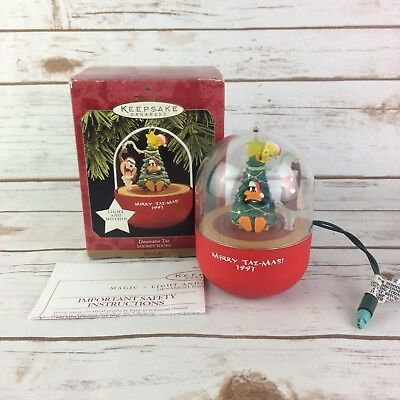 Hallmark Keepsake Ornament Merry Taz-Mas 1997 Looney Tunes Magic Light/Motion