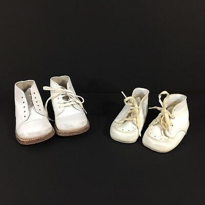 Vintage Lot of 2 Pairs of White Leather Baby Walking Shoes Lace Up SZ 2 and 4.5