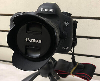 Canon EOS 5D Mark III - Great Deal!Very Low shutter count,cool accessories! Wow
