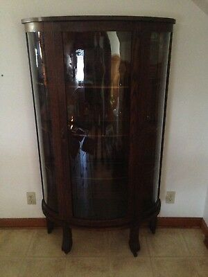 Antique curved glass china cabinet ! LOCAL PICK UP only.