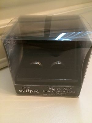 2010 NECA The Twilight Saga Eclipse Marry Me, Change Me Ring Set Size 7 and 10