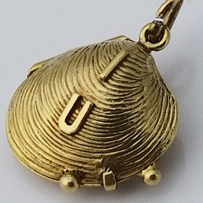 14k Gold Vintage Clam Shell With Pearl Charm Fine Fine Jewelry
