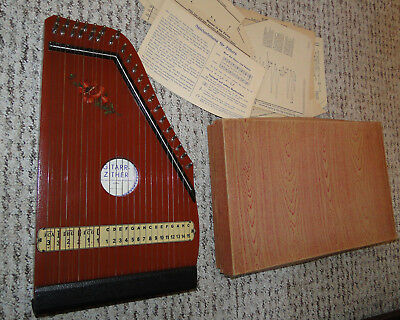 Alte Gitarr Zither mit Noten Made in Germany Kinderzither ?