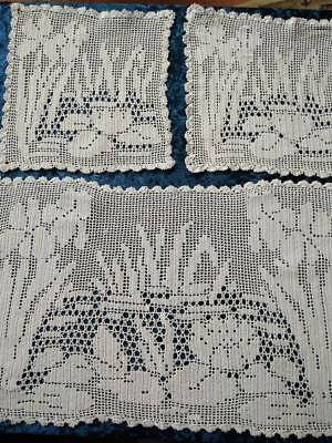 MARY CARD? Filet Hand Crochet  'Water Lily, Iris & Reeds' 3 pce Sm Duchess set