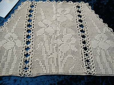 MARY CARD? Filet Hand Crochet  'Iris Flowers' Large Tea Cosy/Cover