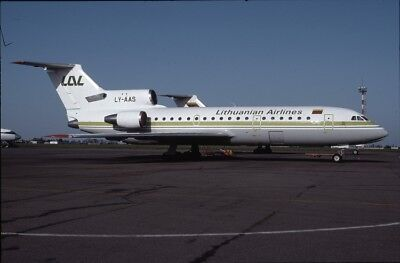 E12732  Original aircraft Slide/Dia  Lithuanian Airlines YAK42 LY-AAS