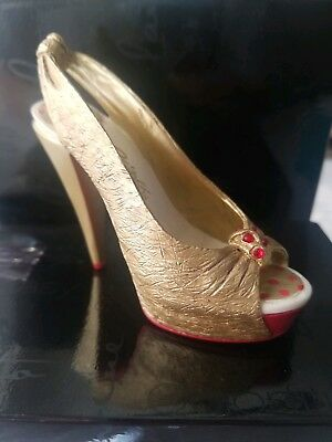 """Just the right shoe """"Glamour Girl"""""""