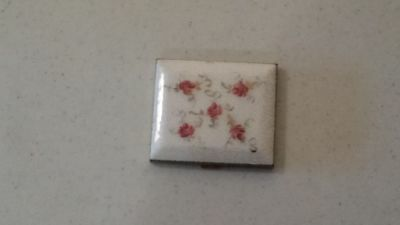 Vintage Marhill White With Pink Flowers Goldtone Mirrored Compact