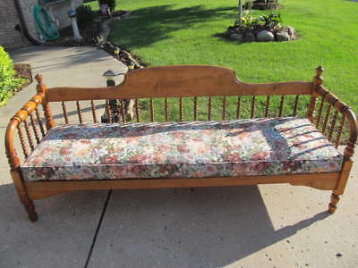 Stunning Vintage Solid Oak 6Ft. Long Spindel Settee - Beautiful Condition