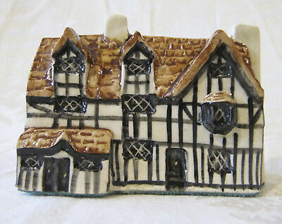 Vintage Tey Pottery No. 42 THE POET'S PLACE – Britain in Miniature