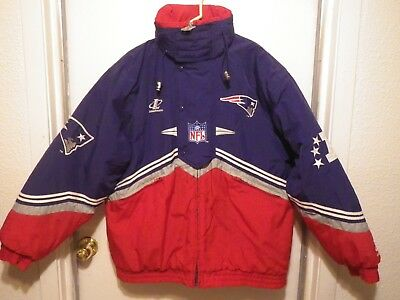 low priced 7ff3f e6880 VINTAGE NEW ENGLAND Patriots Football NFL Pro-Line Jacket Hooded Coat Large  RARE