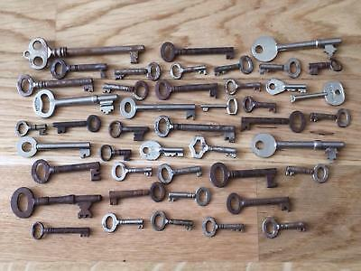 Great Lot of 45 Vintage Antique Hollow Barrel Skeleton Cabinet Door Box Lock Key