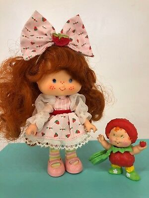 Vintage 1980s Strawberry Shortcake - Strawberry Berrykin Doll with Critter