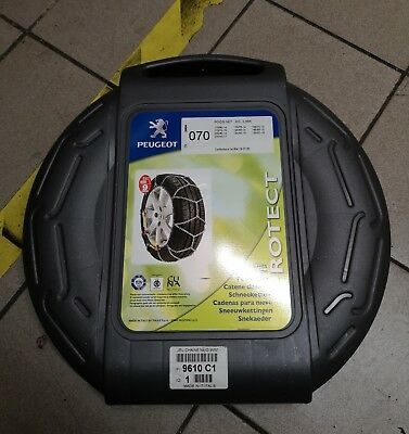 New, genuine Peugeot snow chains 9610A8/1607877980, fits several tyre sizes.