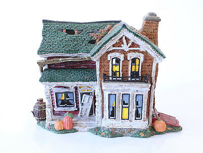"Department 56 Snow Village Halloween ""Screech Owl Farmhouse"" (808988)"
