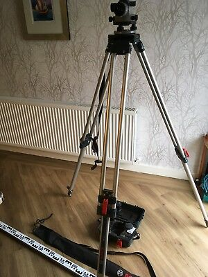 Bosch GOL 26 D Optical Level with Tripod and Levelling Rod used twice