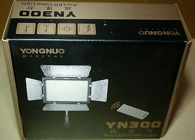 Yongnuo YN-300 Auto LED Video Light for Camera and Camcorder