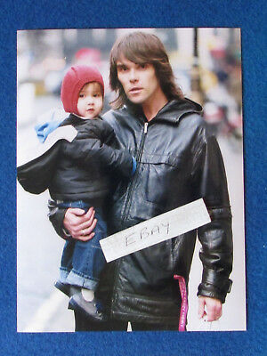 "Original Press Photo - 8""x6"" - The Stone Roses - Ian Brown & son - 2002 - A"