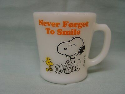Fire-King Peanuts Snoopy & Woodstock Never Forget To Smile Coffee Mug