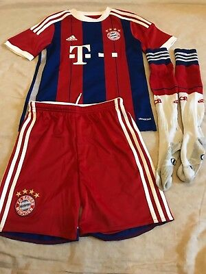 Boys Red Adidas CLIMACOOL Bayern Munchen Football Kit Age11-12Years