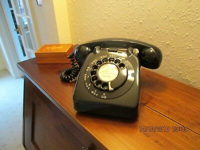 1962 Vintage Black GPO 706L Desk Telephone - in perfect working order.