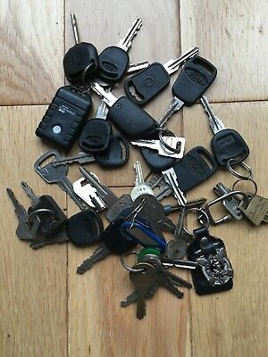 Vintage Job Lot of 30 Old Keys, Ford, Renault, Yamaha